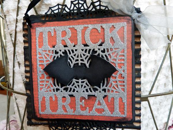 Audrey Pettit Sizzix TrickTreat Hanging2
