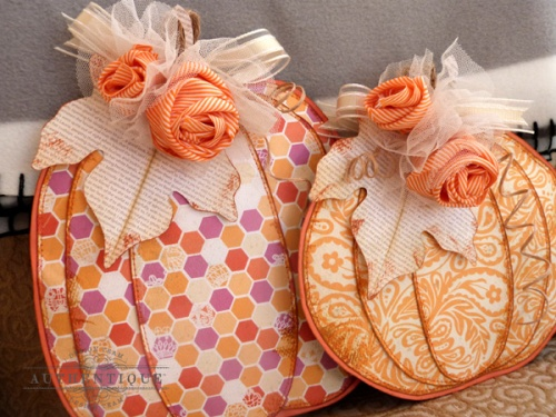 AudreyPettit-Radiant-PumpkinPillows5