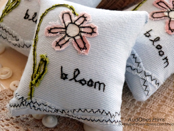 AudOnes BloomPillowTuck2