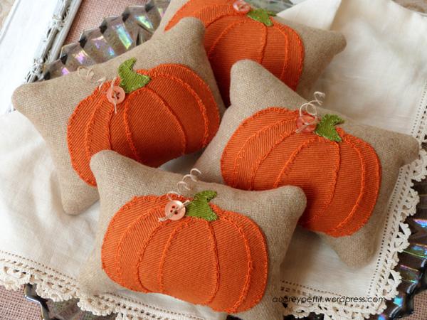 AudreyPettit Sizzix PumpkinPartsPillowTucks