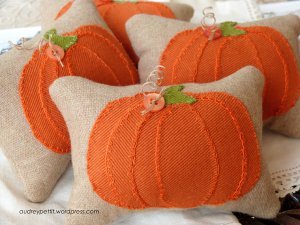 AudreyPettit Sizzix PumpkinPartsPillowTucks3